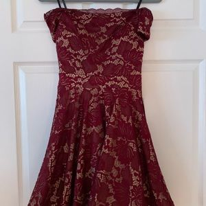 NWT B. Darlin Burgundy dress size 3/4